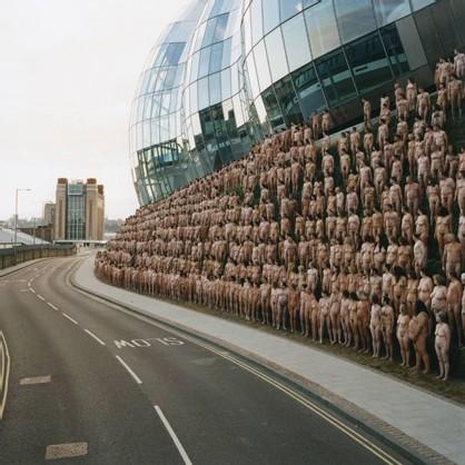 Une des grandes oeuvres de Spencer Tunick: Newcastle, 17 juillet 2005