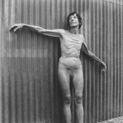 Montalivet, dans un interrogateur `Vêtu de Nu`