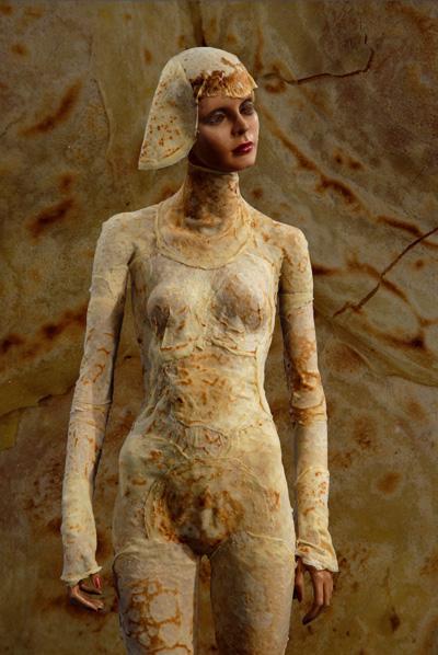 Pierrick Sorin: La femme crêpée