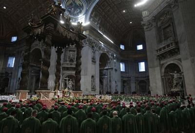 La basilique Saint-Pierre du Vatican le 25 octobre 2009 à l'occasion de la dernière journée du Synode pour l'Afrique.