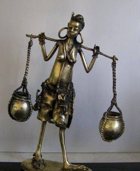 Porteuse d'eau ivoirienne