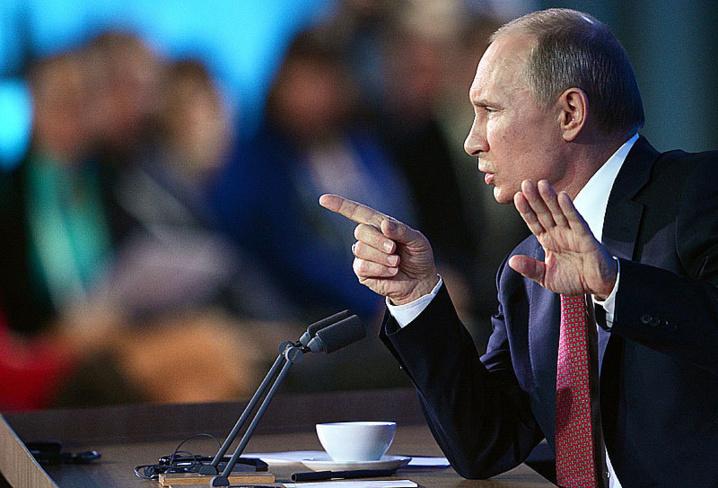 Vladimir Poutine... moins menaçant