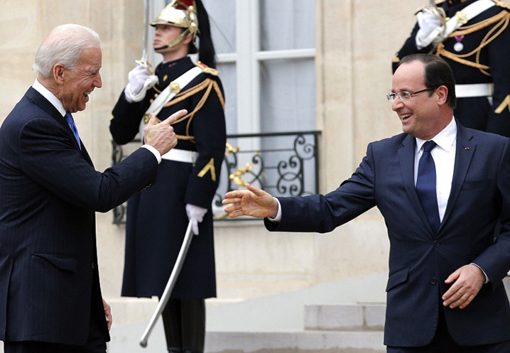 Calme sur Hollande... Gloire au Libérateur de Tombouctou